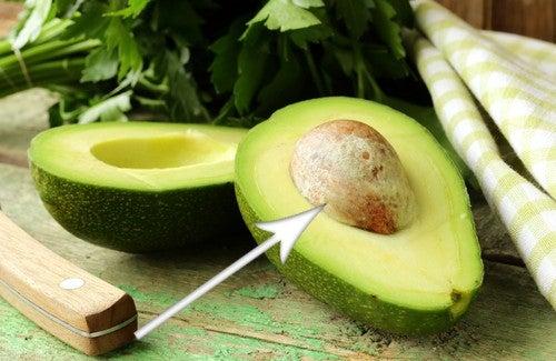 Как защитить свое здоровье с помощью косточки авокадо