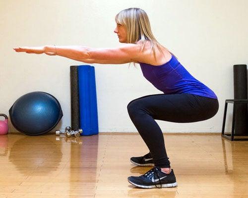 Приседания для мышц ног