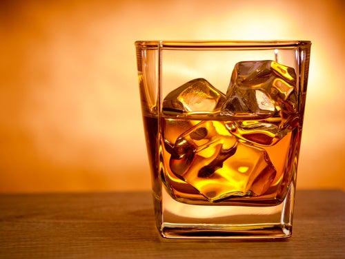 Это произойдет с вашим мозгом, если пить слишком много…