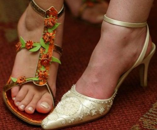 Секс с женскими ногами в обуви