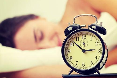 Сколько часов полагается спать?