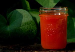 Чрезмерное потоотделение и томатный сок