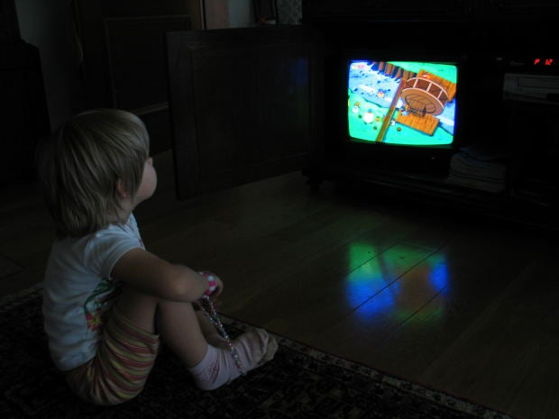 Почему есть перед телевизором опасно для здоровья