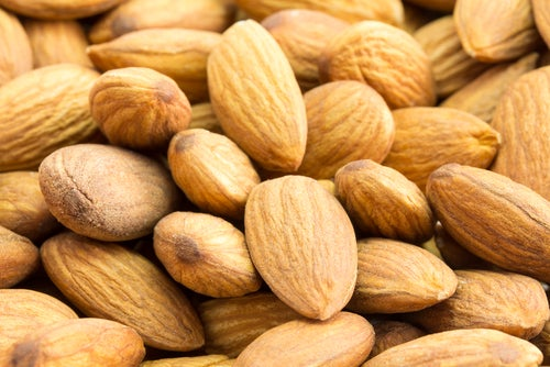 Как миндаль помогает снизить уровень холестерина