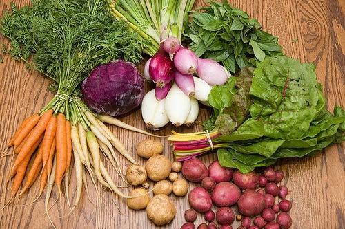 устранить дискомфорт поможет диета с морковью, капустой и картофелем