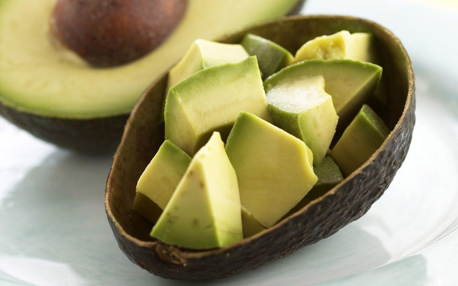 Потрескавшаяся кожа и авокадо