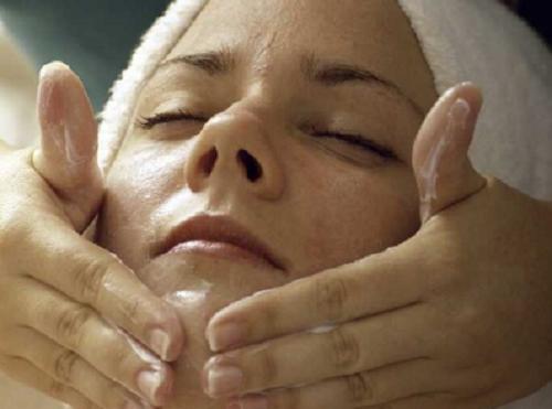 Как ухаживать за кожей в период менопаузы?