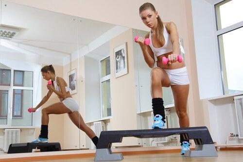 Степ упражнения для ног