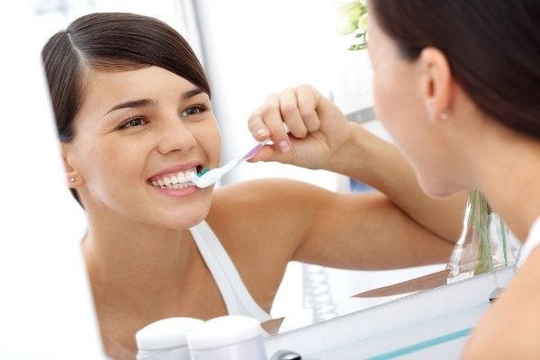 Гигиента чтобы избавиться от неприятного запаха из рта