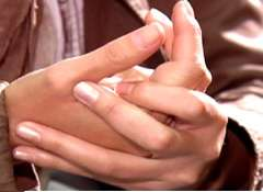 хрустеть-пальцами