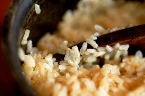 коричневый-рис