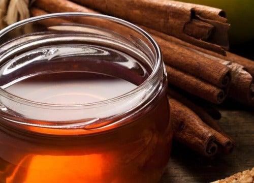 Трещины на пятках и мед