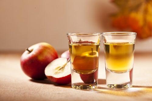 Яблочный уксус чтобы придать блеск волосам