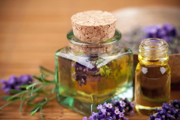 Эфирные масла и ароматический спрей