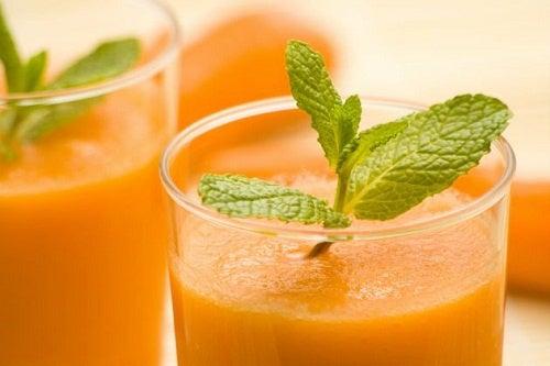 Морковный сок поможет восстановить печень