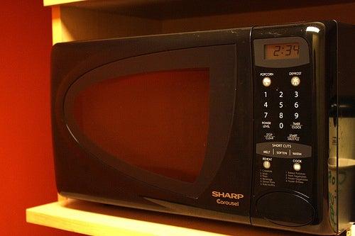 Микроволновая печь вызывает негативные изменения в продуктах питания