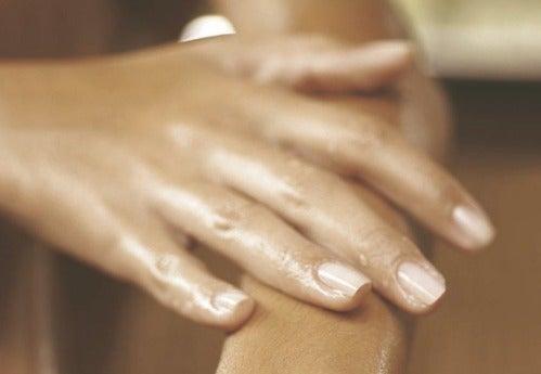 Воспаление пальцев рук: что с этим делать?