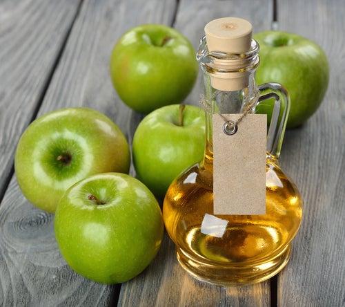 яблочный уксус и пищевая сода