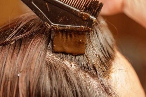 Чем полезна хна для наших волос?