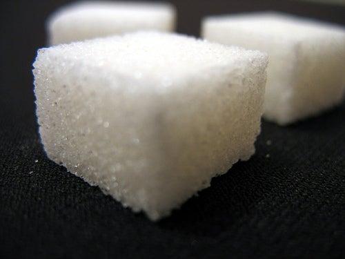 Вылечить эндометриоз поможет отказ от сахара