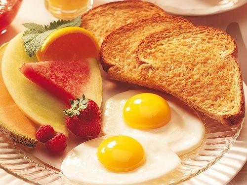 Ежедневный полноценный завтрак продлит жизнь на 5 лет!