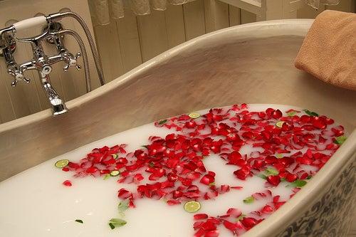 Расслабляющая ванна перед свиданием