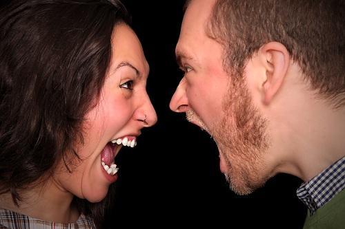 Гнев может приводить к мышечным болям