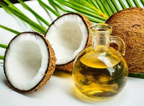 Кокосовое масло и крем против морщин
