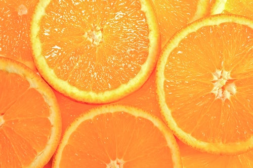 Апельсины оранжевого цвета