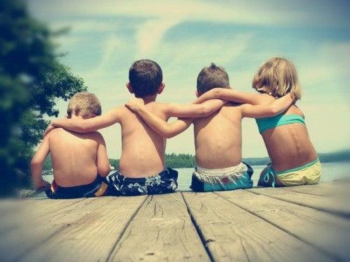 Дружба помогает наполнить жизнь счастьем