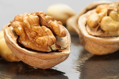 продукты-жиросжигатели: грецкие орехи