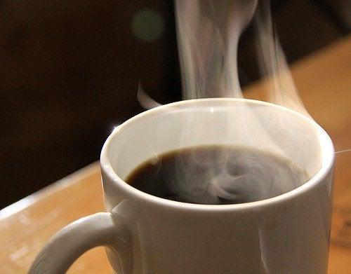 Бодрящий напиток кофе и его способность снизить аппетит