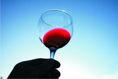 Один бокал красного вина укрепит иммунитет