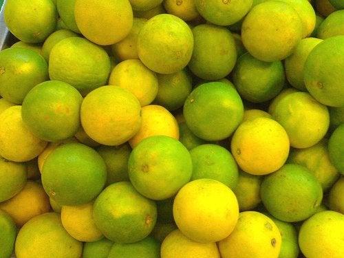 Лимон активирует усвоение жиров
