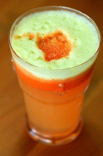 Сок из яблока и моркови