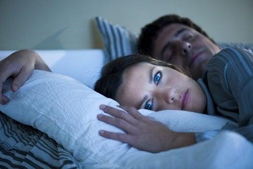 Вредно ли спать в бюстгальтере