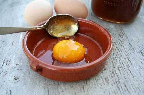 Как есть яйца