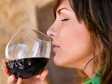 Один бокал красного вина за ужином