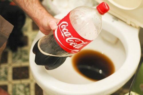 13 альтернативных способов использования кока-колы. Что на самом деле мы пьем?