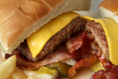 Знаете ли вы, из чего сделаны гамбургеры?