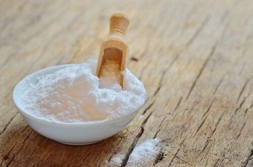 Сода предотвращает появление зубного налета