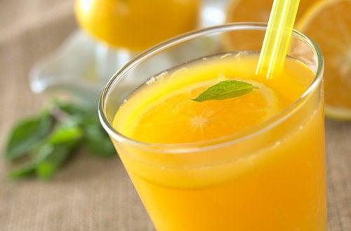 Витаминная вода из апельсина