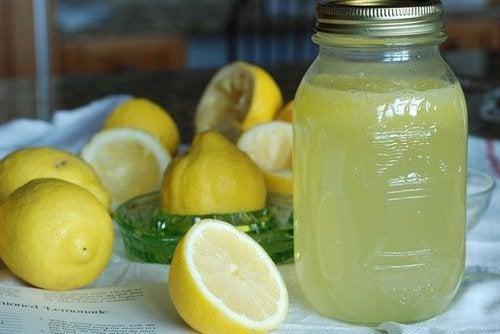 Как лечить боль в суставах лимоном