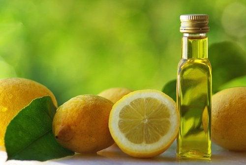 Оливковое масло и лимон устраняют запор