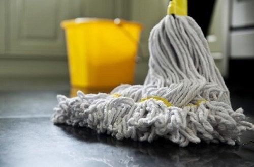 Как использовать перекись водорода для уборки дома и не только