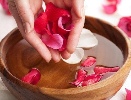 Лосьон из розовой воды