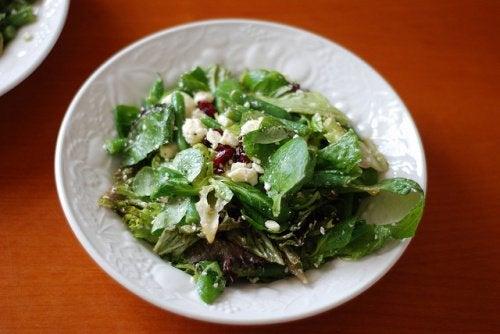 Полевой салат на ужин для полноценного сна