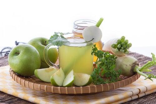 Яблочный сок поможет Очистить печень и желчный пузырь