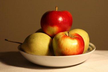 Попробуйте съедать яблоко каждый день