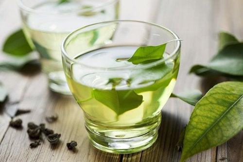 Зеленый чай устраняет запор